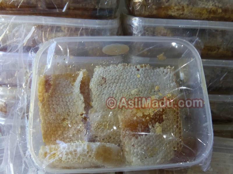 madu dalam sarang